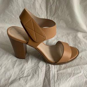 "Simply Vera Wang Size 9M Heeled Sandals Heel 4.5"""